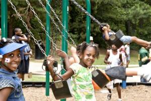 many_kids_on_swings